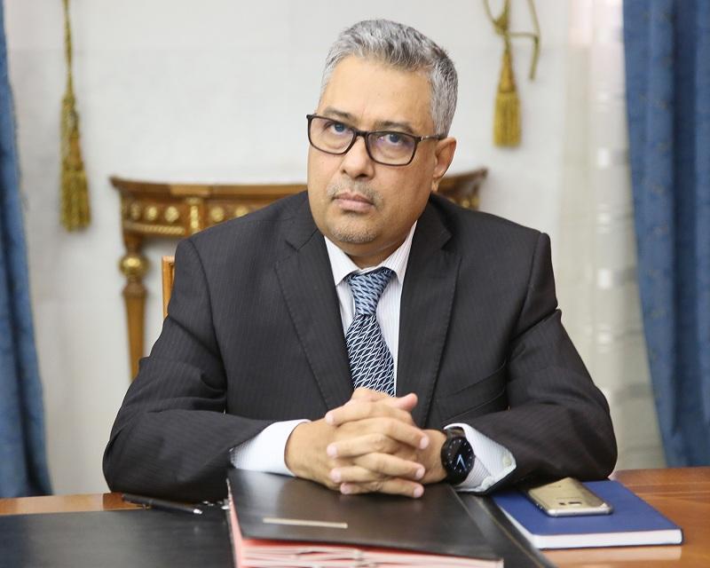 وزير الاقتصاد والصناعة الشيخ الكبير مولاي الطاهر