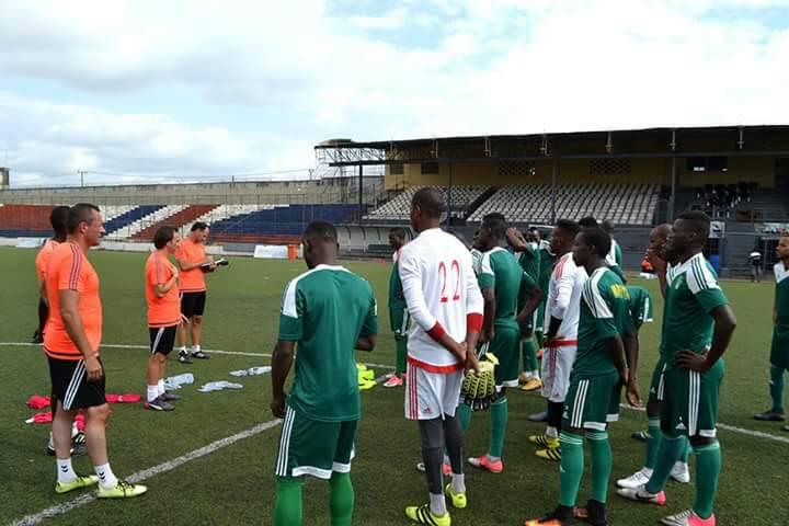... بعد ظهر غد الأحد منتخب ليبيريا، في مدينة منروفيا، لحساب الدور الأول من  التصفيات المؤهلة لكأس إفريقيا للاعبين المحليين، التي من المقرر أن تستضيف  دولة ...
