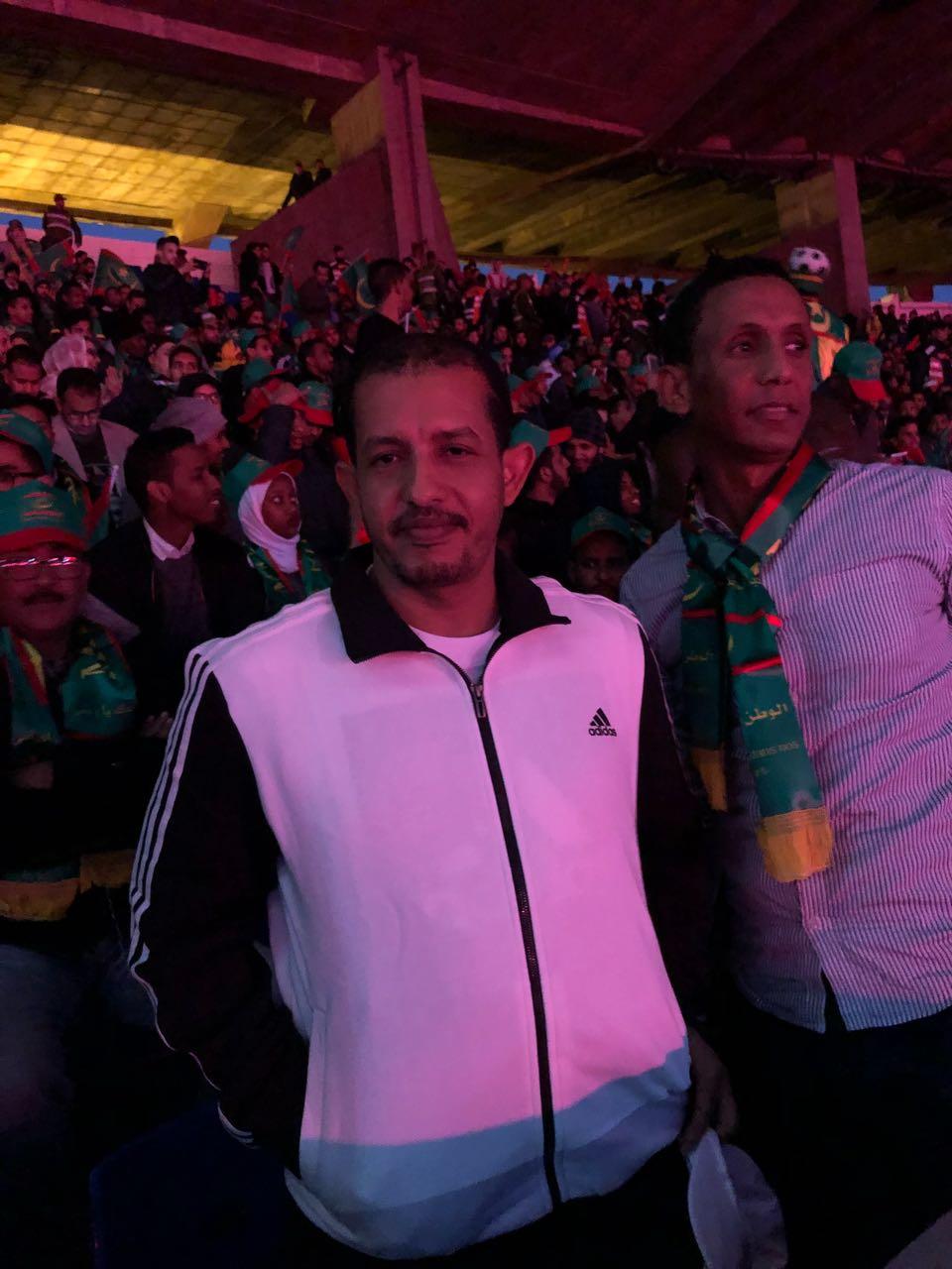 النائب البرلماني محمد يسلم ولد عبد الله في الملعب الذي يستضيف مباراة موريتانيا والمغرب اليوم