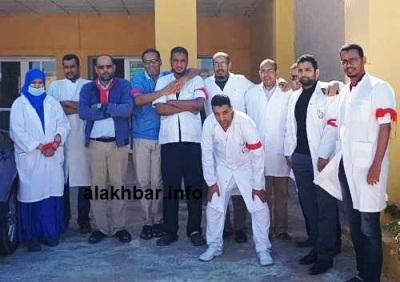 جانب من وقفة الأطباء الاحتجاجية في نواذيبو / تصوير الأخبار