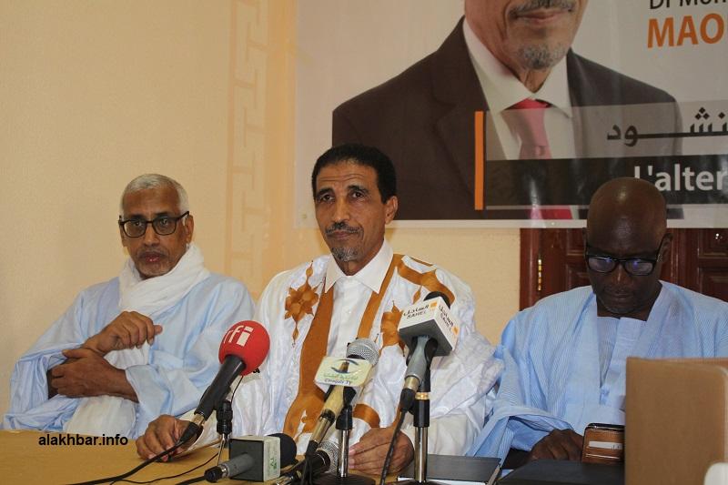 المرشح محمد ولد مولود خلال مؤتمر صحفي مساء اليوم (الأخبار)