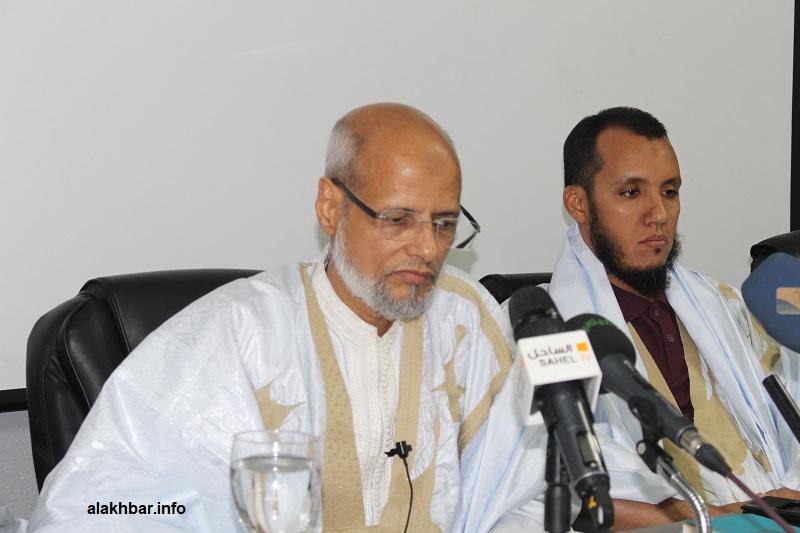 النائب البرلماني السابق المختار ولد محمد موسى خلال مؤتمر صحفي مساء اليوم (الأخبار)