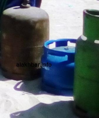 قنينات الغاز التي حطمت أسعاره حاجز 10 ألاف أوقية/ تصوير الأخبار