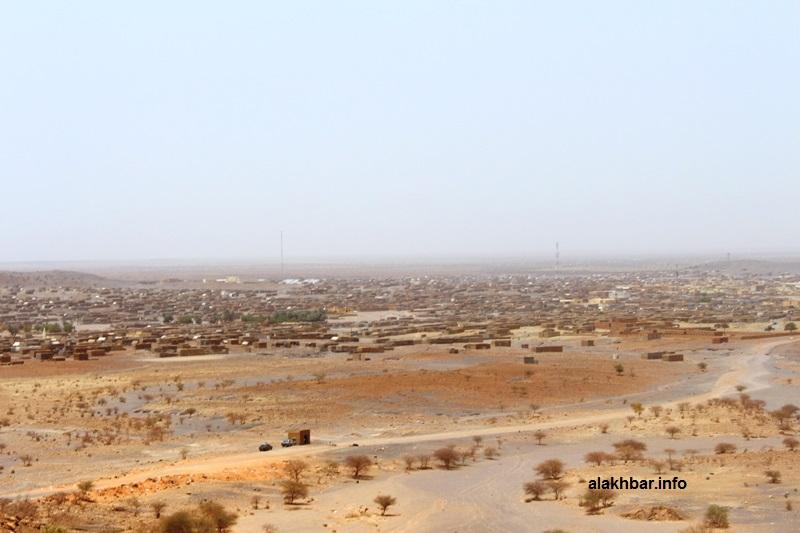 """منظر لمدينة النعمة عاصمة الحوض الشرقي من أعلى """"البهكة"""" (الأخبار)"""