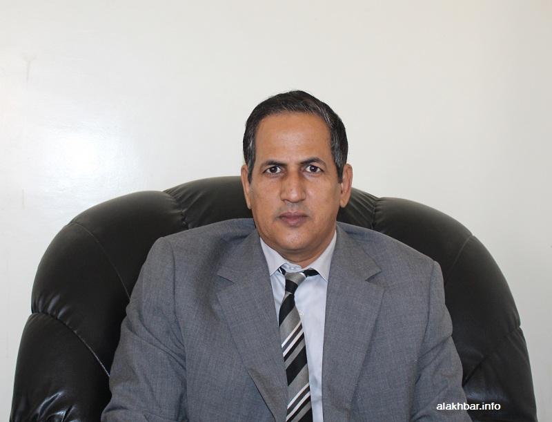 خالد ولد قيس القيادي في حزب الحراك، ورئيس الجناح المناوئ لرئيسة الحزب لالة بنت الشريف خلال حديثه للأخبار اليوم