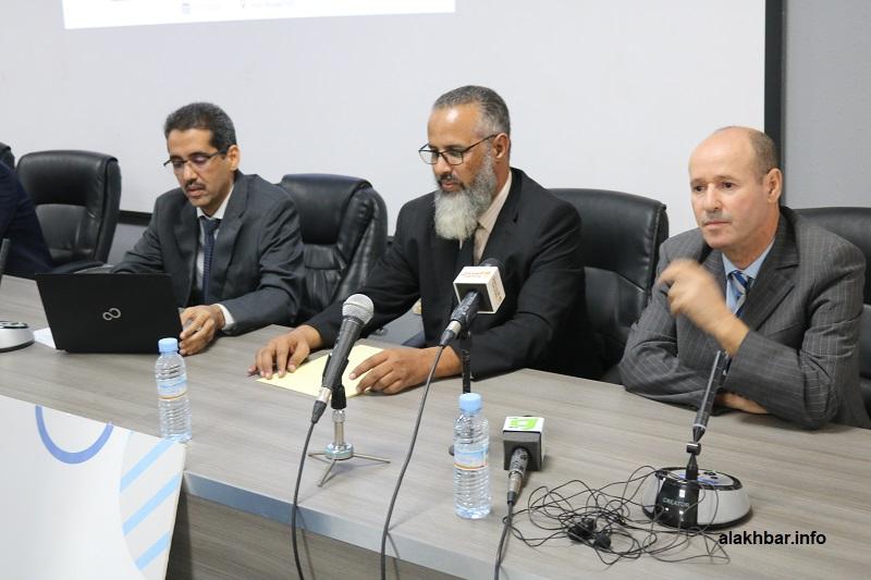 منصة افتتاح الملتقى المنظم بالشركة بين شركتي EMCA الموريتانية، وشركة اتصالات الجزائر الفضائية (الأخبار)