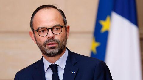 إدوارد فيليب: رئيس الحكومة الفرنسية.