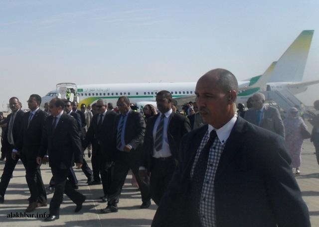 ولد عبد العزيز في زيارة لمطار نواكشوط الدولي بمناسبة اقتناء الموريتانية للطيران طائرة بوينغ 737MAX8 ـ (أرشيف الأخبار)