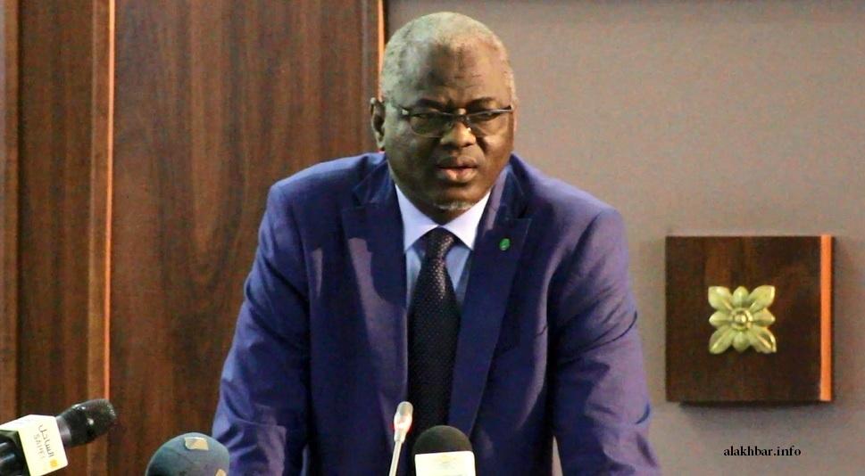 الوزير الناطق الرسمي باسم الحكومة الموريتانية سيدي ولد سالم خلال مؤتمر صحفي سابق (الأخبار - أرشيف)