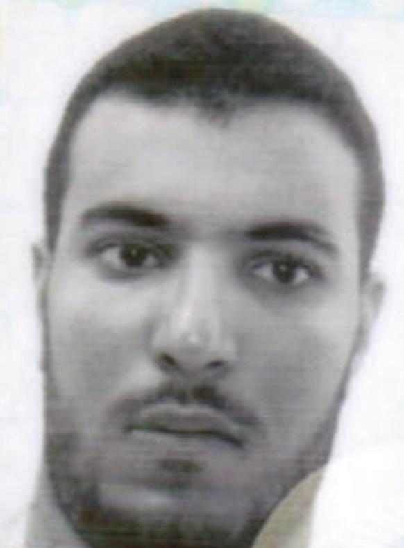 صورة شخصية للمطلوب للعدالة الموريتانية والشرطة الدولية محمد سالم الزين ولد العربي