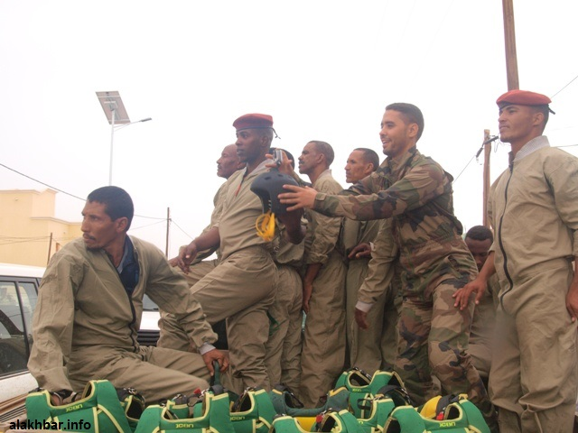 جنود من فيلق المظليين في احتفالات عيد الاستقلال 2016 بمدينة أطار ـ (أرشيف الأخبار)