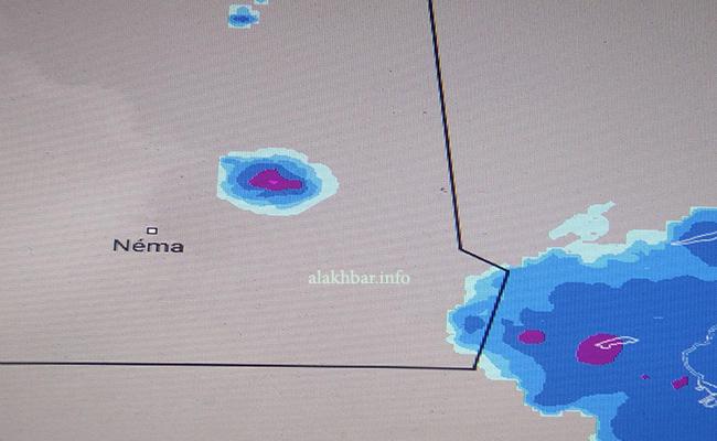 توزع الأمطار المتواجدة الآن على جنوب الحوض الشرقي مع توقع المزيد طيلة مساء اليوم وحتى صباح غد بإذن الله تعالى ـ (الأخبار)