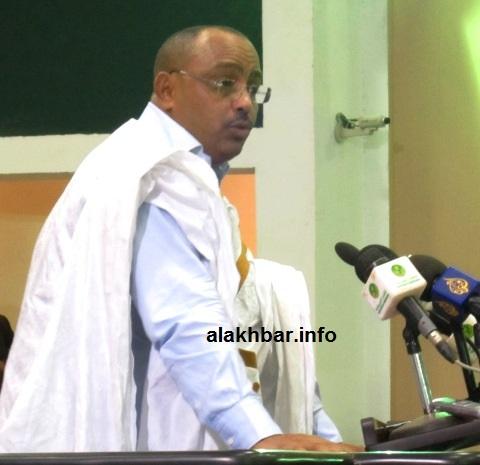 النائب الحسين ولد أحمد الهادي خلال جلسة برلمانية ـ (أرشيف الأخبار)