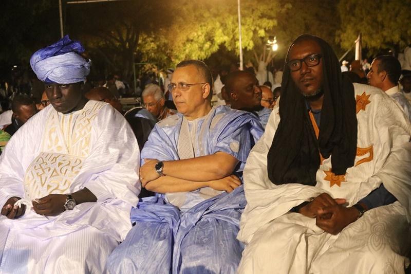 الزعيم الرئيس للمعارضة إبراهيم البكاي مسعود، ورئيس اللجنة الوطنية لحقوق الإنسان أحمد سالم بوحبيني إلى جانب رئيس المركز