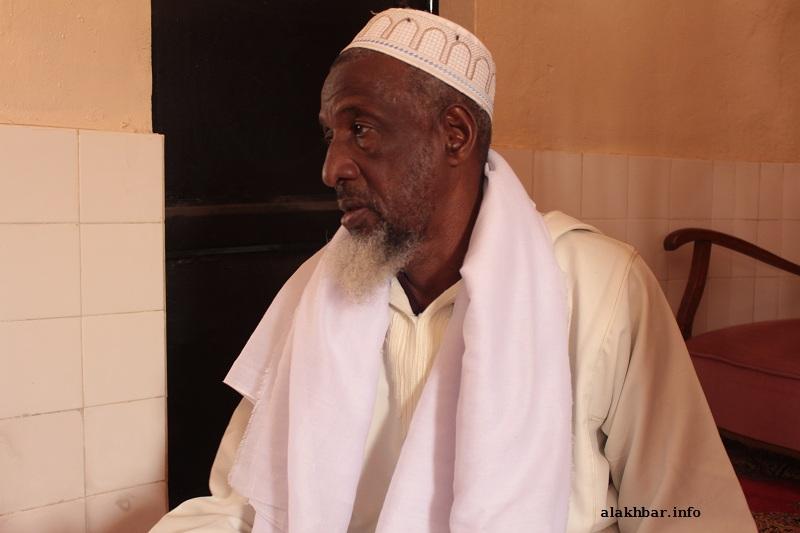 الإمام فودي ماريغا خلال حديثه للأخبار بعيد أداء صلاة الغائب في جامع الأنصار ظهر اليوم