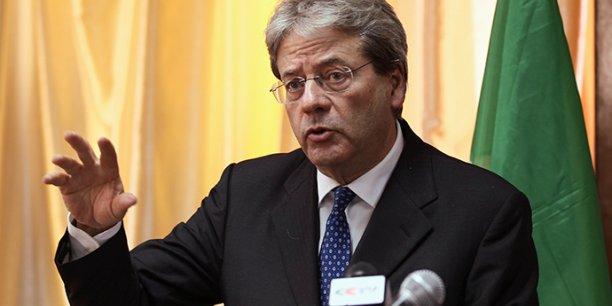 باولو جانتيلوني رئيس الوزراء الإيطالي.