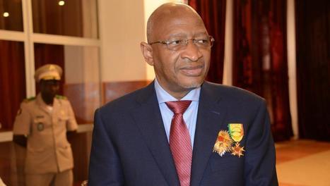 سومايلو بوباي مايغا الوزير الأول المالي.