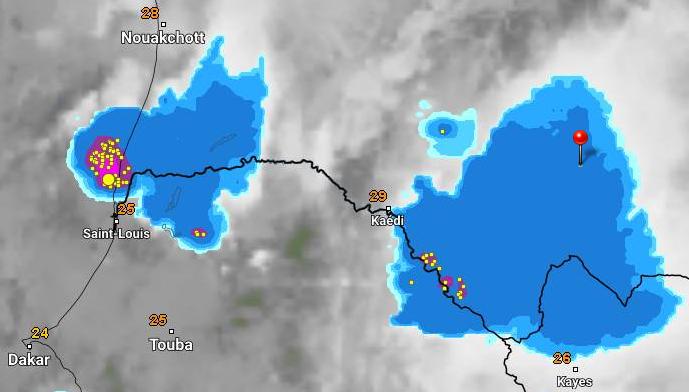 خارطة توزع السحب الممطرة فجر اليوم 9 أكتوبر الجاري فى حدود الساعة الواحدة والنصف، الإشارة عند مدينة كيفة