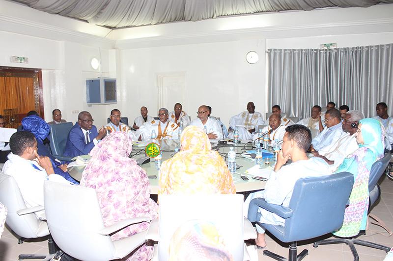 وزير التعلم العالي يتحدث خلال نقاش ميزانية وزارته مساء أمس في البرلمان (وكالة الأنباء الموريتانية)