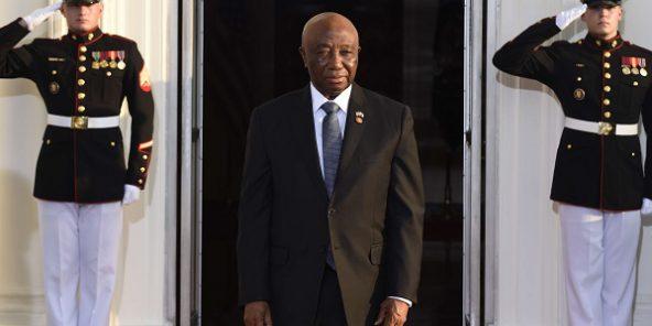 جوزيف بواكي نائب الرئيسة الليبيرية منتهية الولاية والمتنافس في الشوط الثاني من الانتخابات الرئاسية.