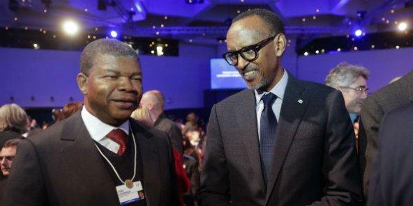 الرئيسان الروندي بول كاغامي والأنغولي جواو لورنشو.