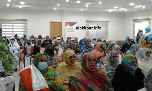 جانب من الحضور في حفل تخليد 8 مارس بمدينة نواذيب/ الأخبار