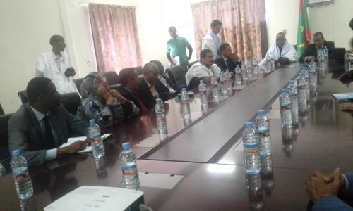 هنا انعقد اجتماع بين أعضاء الشبكة ومدير الشركة الموريتانية لتسويق الأسماك استغرق ساعتين/ الأخبار