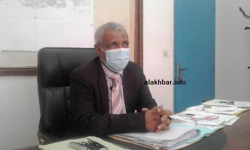 رئيس قطاع المياه بداخلت نواذيبو ابراهيم ول أحمد يوراه أثناء حديثه للأخبار