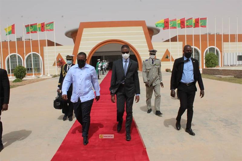 الوزير الأول محمد ولد بلال يودع رئيس غينيا بيساو عمارو سيسوكو امبالو (وما)