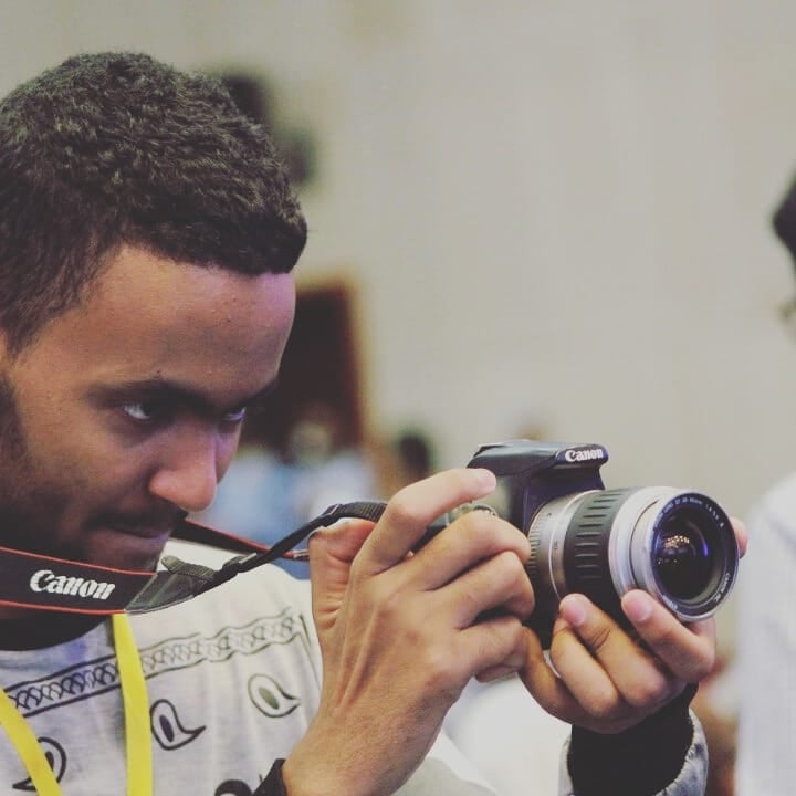 صانع المحتوى الموريتاني ينج محمد عبر عن أمله في أن يجد ردا من جهة رسمية حول مبررات استخدام إنتاجه دون إذنه، أو مجرد علمه
