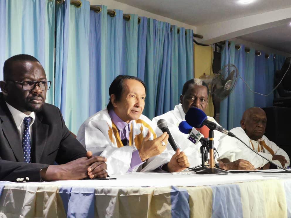 قيادات بتحالف العيش المشترك خلال مؤتمر صحفي سابق