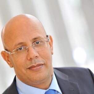وزير البترول والطاقة والمعادنالسابق الطالب ولد عبدي فال