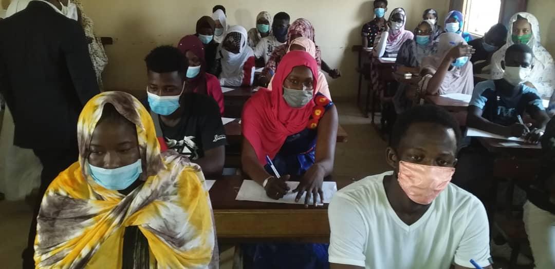 تلاميذ داخل الفصول لإجراء امتحان الباكلوريا اليوم