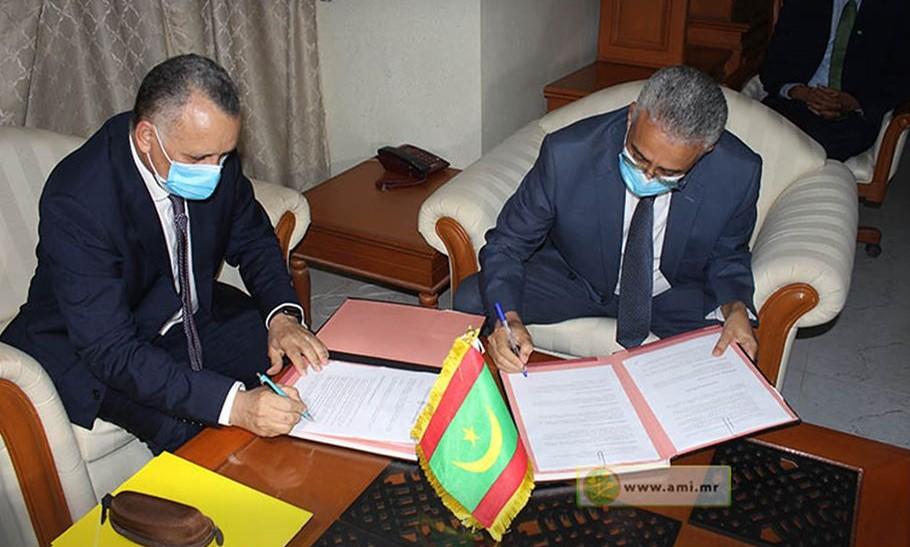 """المندوب العام لـ""""التآزر""""، ورئيس اللجنة الوطنية لحقوق الإنسان خلال توقيع اتفاق الشراكة (وما)"""