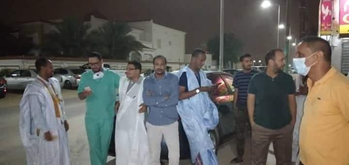 أطباء خلال انتظارهم انفراج القضية