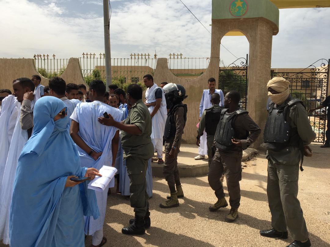 الشرطة تبعد الطلبة المحتجين عن بوابة وزارة التعليم العالي بنواكشوط
