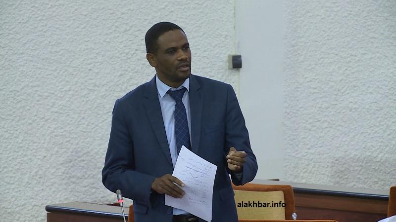 النائب البرلماني والمحامي العيد ولد محمدن خلال مداخلته في البرلمان