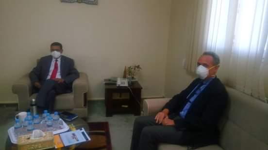 ممثل اليونسيف في موريتانيا، مع وزير الصحة في مكتب الأخير