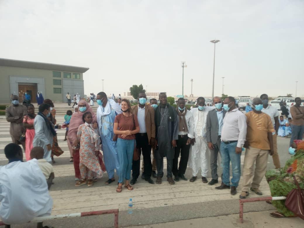 الوفد الحقوقي الأمريكي أمام مطار نواكشوط الدولي - أم التونسي