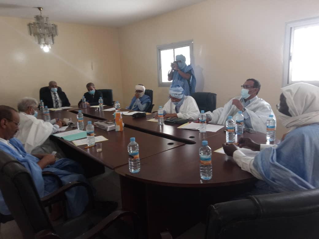 رؤساء وممثلو الأحزاب السياسية خلال اجتماعهم اليوم في مقر حزب التكتل