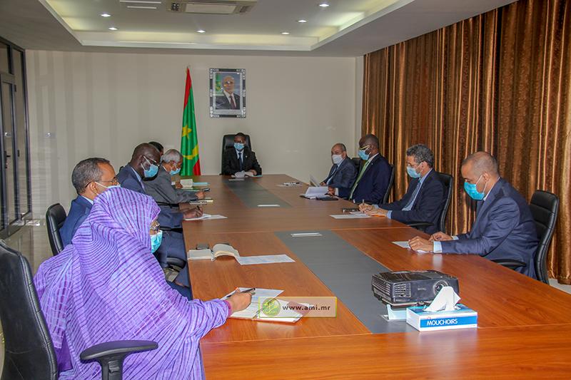 اللجنة الوزارية المكلفة بمتابعة جائحة كورونا خلال اجتماعها اليوم الجمعة (وما)