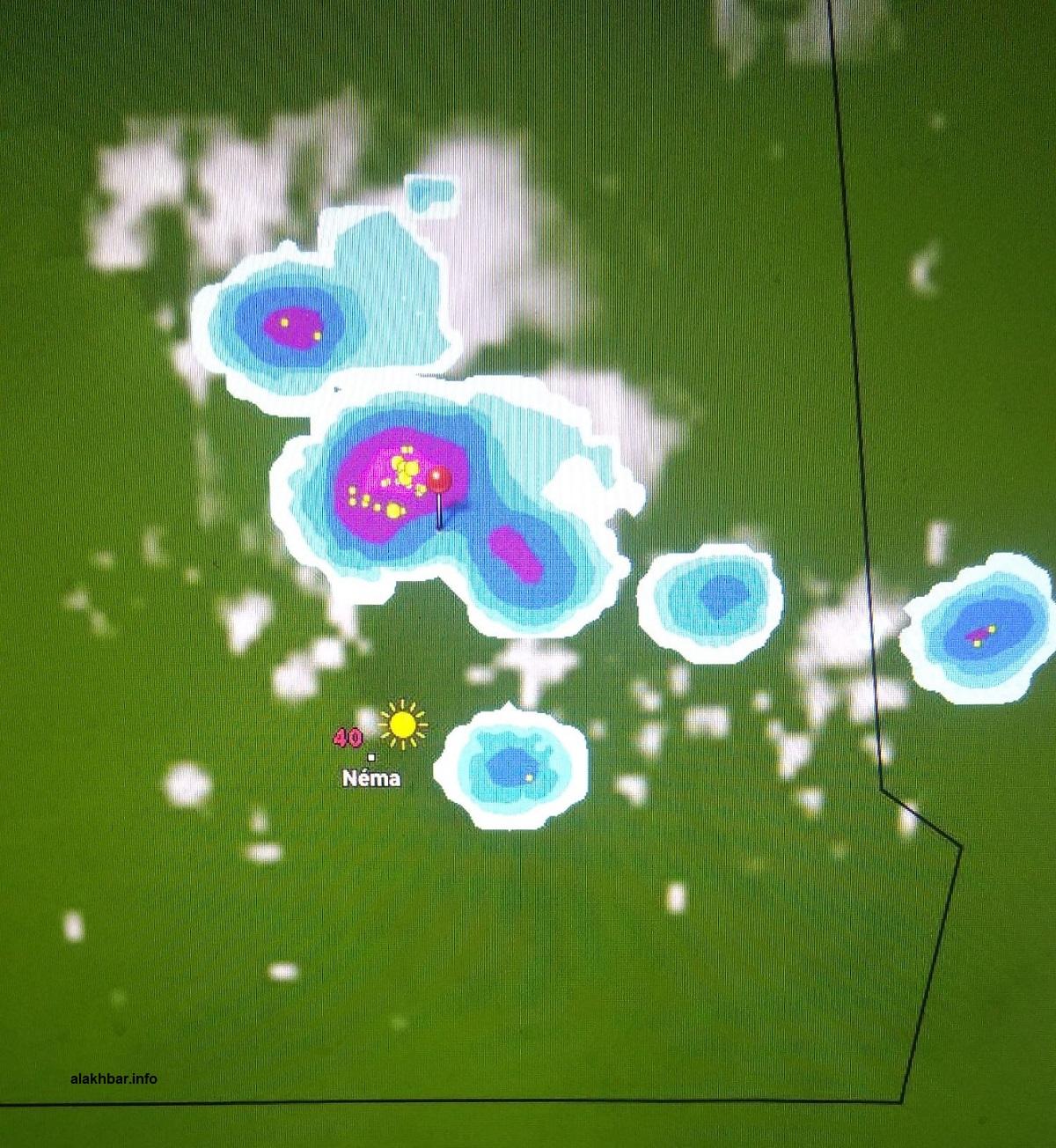 خارطة انتشار السحب مساء اليوم في المناطق الشرقية من البلاد عند الساعة الخامسة، الإشارة عند مدينة ولاتة