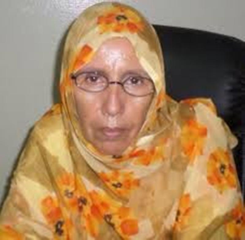رئيسة منظمة النساء معيلات الأسر آمنة بنت المختار