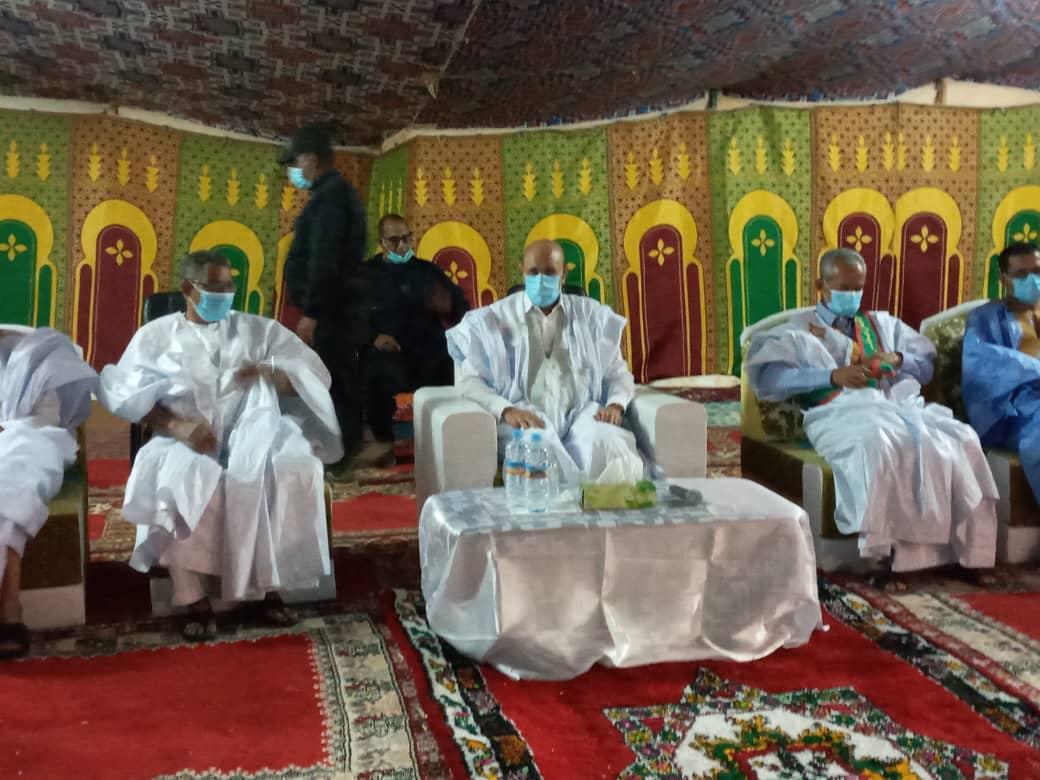 الرئيس محمد ولد الغزواني خلال اللقاء المنعقد الليلة مع الأطر بمقر إقامته في الزويرات
