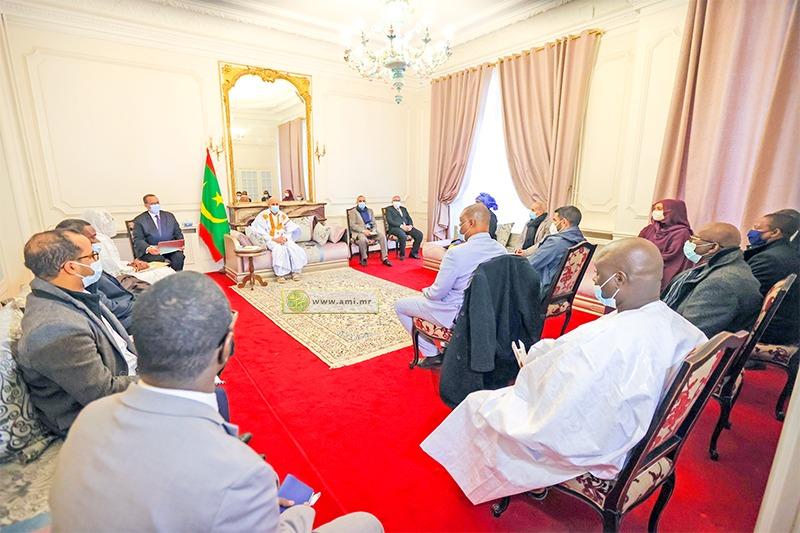 الرئيس محمد ولد الغزواني خلال لقائه مع ممثلي الجالية الموريتانية في فرنسا اليوم السبت (وما)