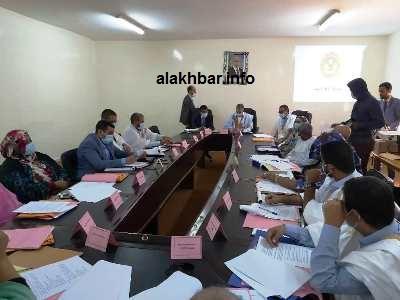 جانب من اجتماع المجلس البلدي أمس في القصر البلدي/ الأخبار
