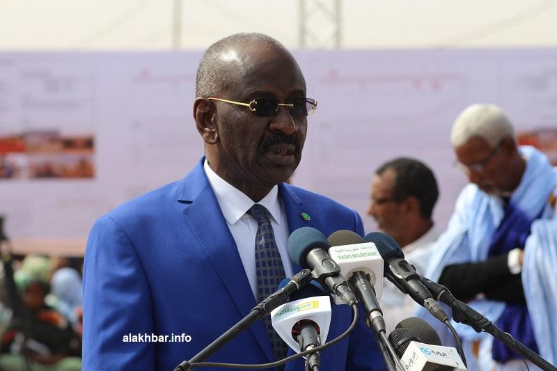 وزير الداخلية واللامركزية محمد سالم ولد مرزوك خلال نشاط سابق (الأخبار - أرشيف)
