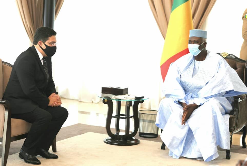 رئيس مالي الانتقالي باه نداو ووزير الخارجية المغربي ناصر بوريطة