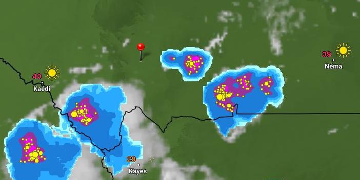 توزع السحب عند الساعة 16:50 من يوم فاتح يوليو الجاري، الإشارة عن مدينة كيفة