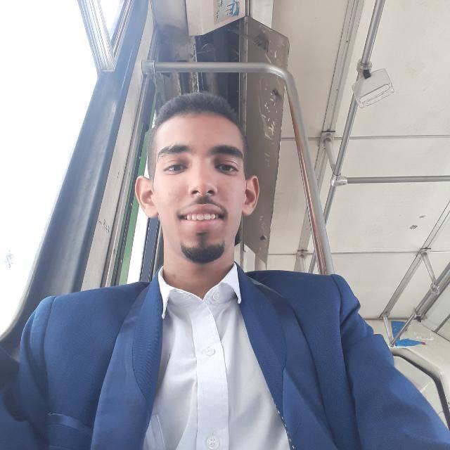 - حمزة الشنقيطي - طالب ماستر شريعة وقانون